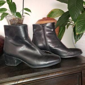 Vagabond Leather Front Zipper Accent Boots Size 41